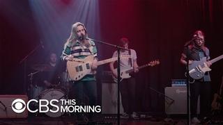 """Saturday Sessions: Julien Baker performs """"Hardline"""""""