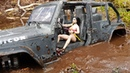 RC car | Stuck girls mud off road| Girls pull out the Jeep with a winch RcRuFun
