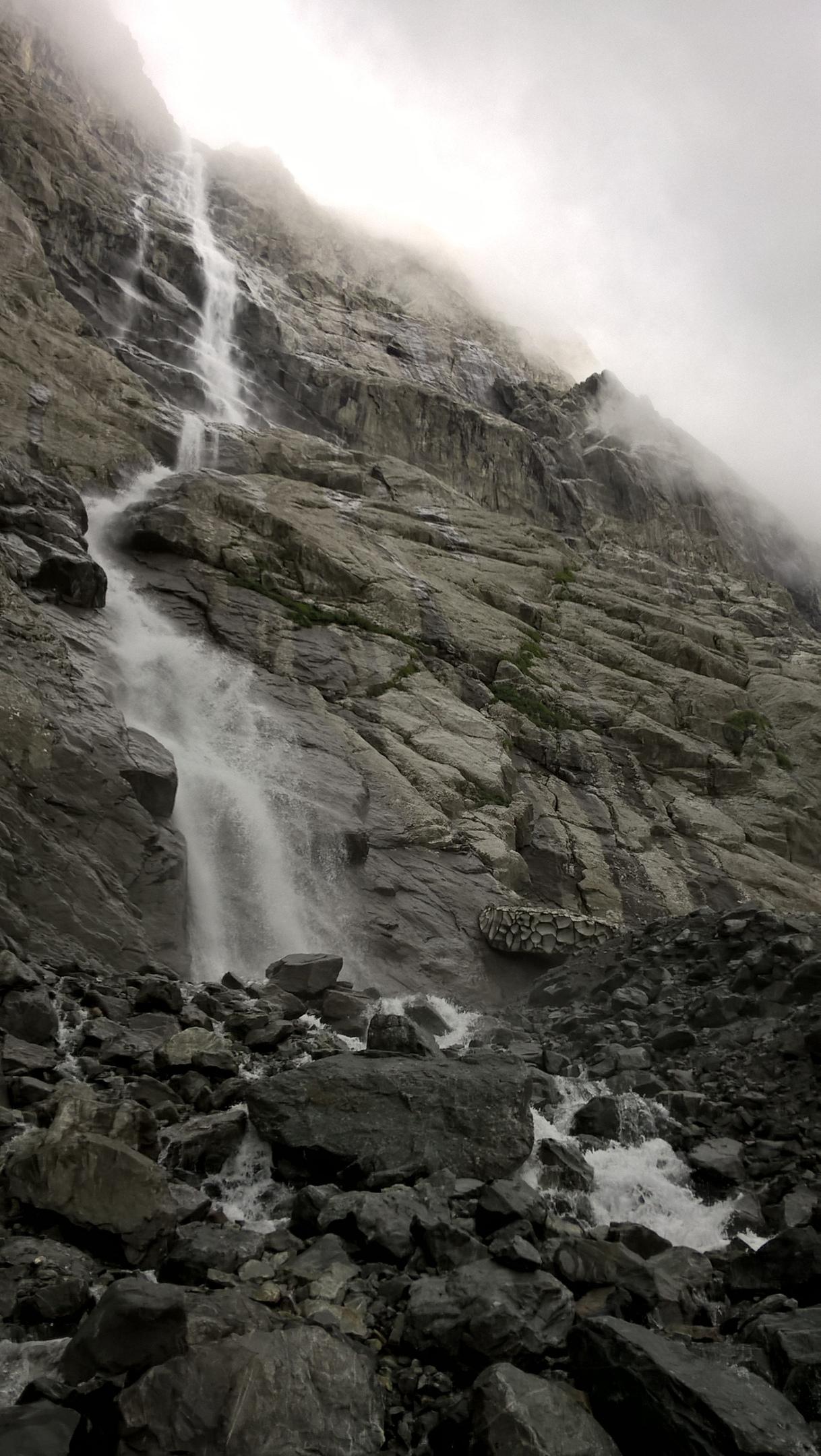 главный и самый высокий Мидаграбинский водопад