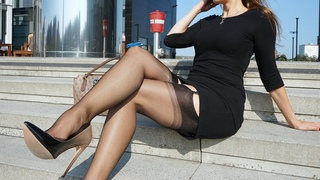 Seamed Stockings - Fully Fashioned Nylons In Public | Kats little world