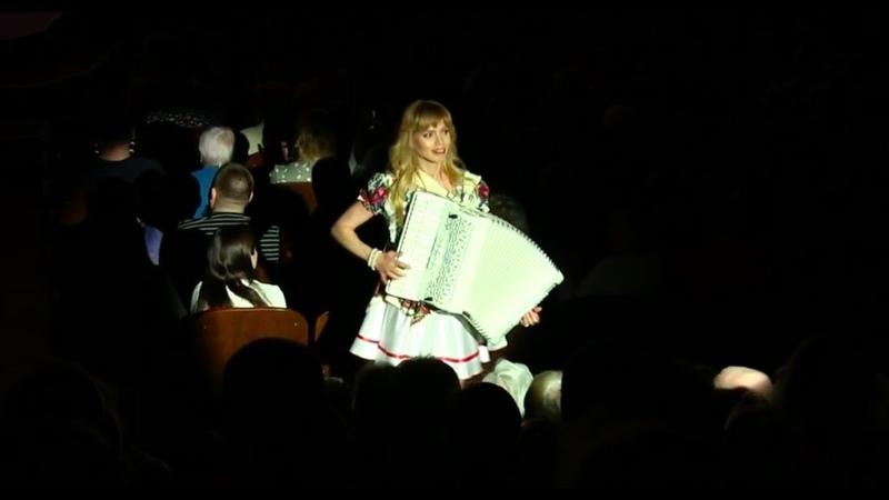 Аккордеонистки России дуэт ЛюбАня СМУГЛЯНКА GIRLS BAND LIUBANYA аккордеон музыканты LIVE
