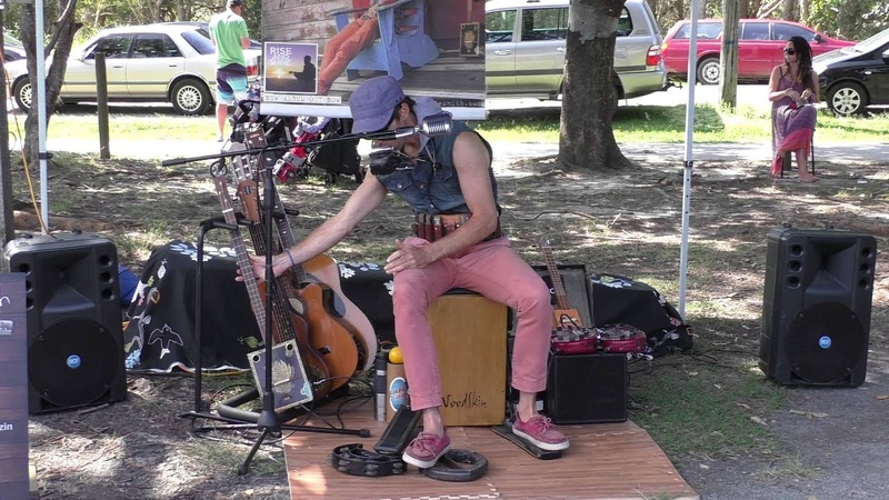 Juzzie Smith One Man Band Byron Bay Markets 6th Sept 2015 2