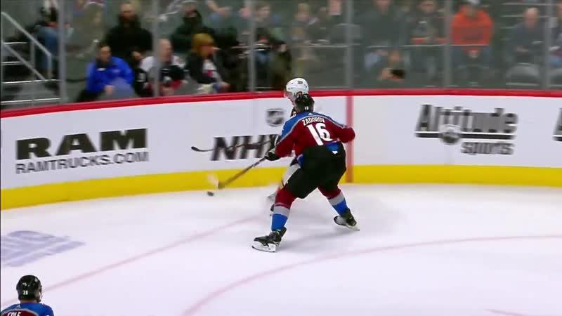 NHL Plays of the Week: Frolik splits the D, Parise between the legs | March 22, 2019