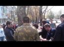 Тварюки в Луганську побили і привязали до дерева відомого кобзаря Василя Лютого