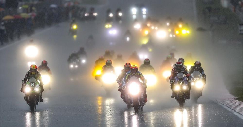 Никколо Канепа с командой выиграл гонку Сепанг 8 Часов 2019
