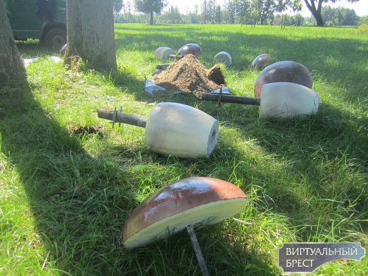 «Чудо чудное, диво дивное», или как появились на территории нынешнего Городского сада в Бресте бетонные декоративные «грибы-боровики»