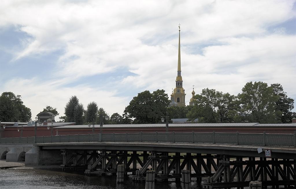 Мост к Петропавловской крепости