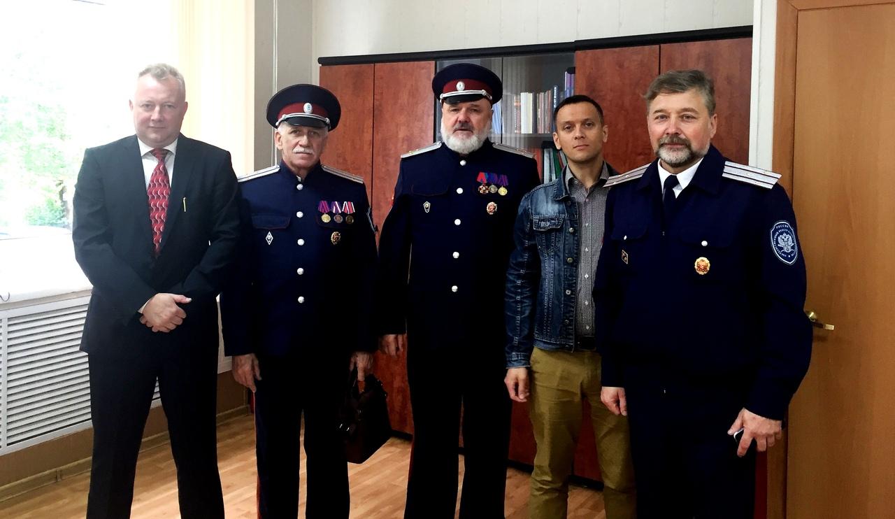 представители казачества пришли поздравить ТКТИ