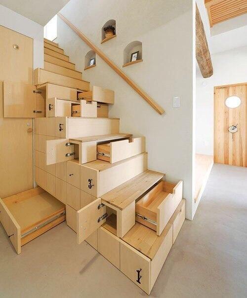 Такие разные лестницы ????