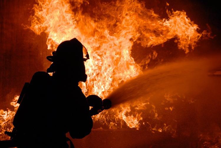 В КЧР на территории Теберды вспыхнуло здание