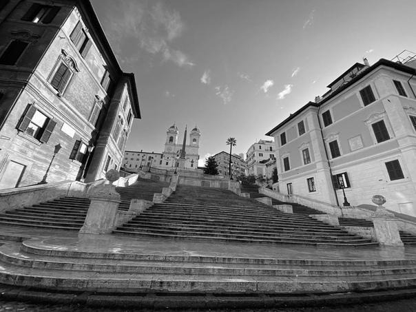 Порция свежих фотографий со съемочных локаций «Миссии невыполнима 7» Сейчас производство идет в Риме.