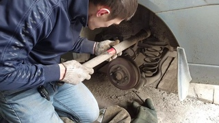 Замена задних амортизаторов форд фокус 1.6, Replacement of rear shock absorbers Ford focus
