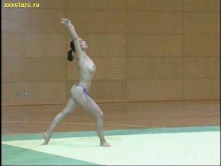 Лавиния Милосовичи Румынская гимнастка