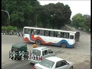 Автобус на автобус