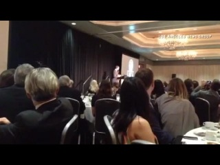 Том Харди принимает награду Лучшего актера от Ассоциации критиков Лос Анджелеса за роль в фильме Лок