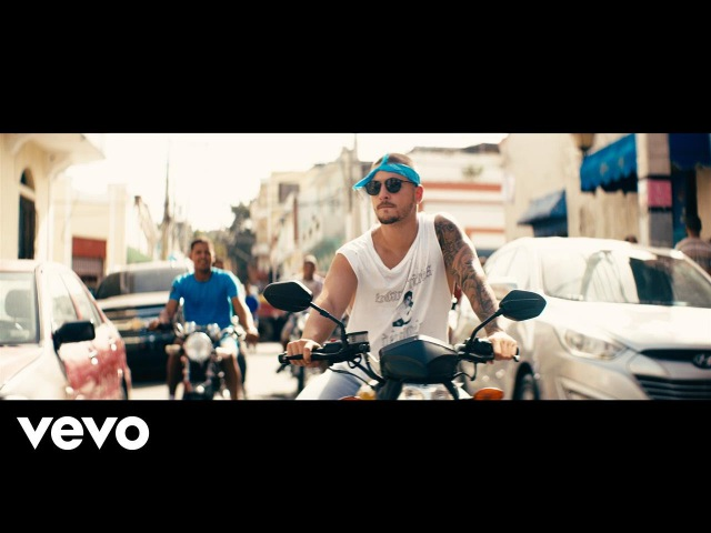 Maluma Sin Contrato Official Video
