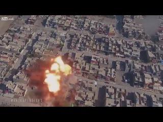 Самые зрелищные АТАКИ СМЕРТНИКОВ ИГИЛ  Съемка с БПЛА  Новости война Сирия Ирак с ...