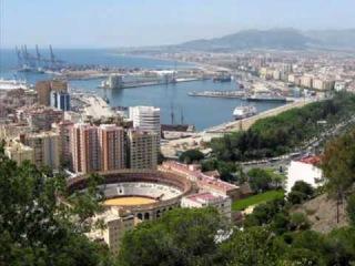 Málaga !Cuanto te quiero! Canta Diana .