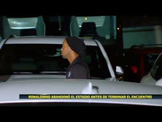 Ronaldinho se va del estadio en pleno partido entre Pachunca vs Queretaro 2-0 Liga MX