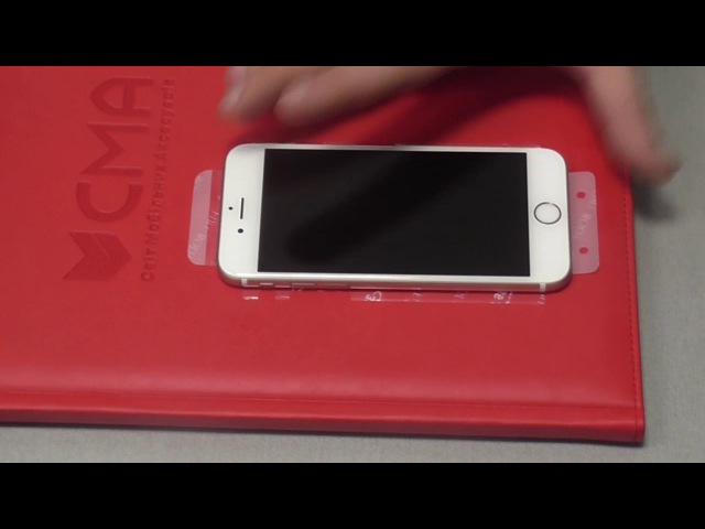 Поклейка захисної плівки на iPhone 6