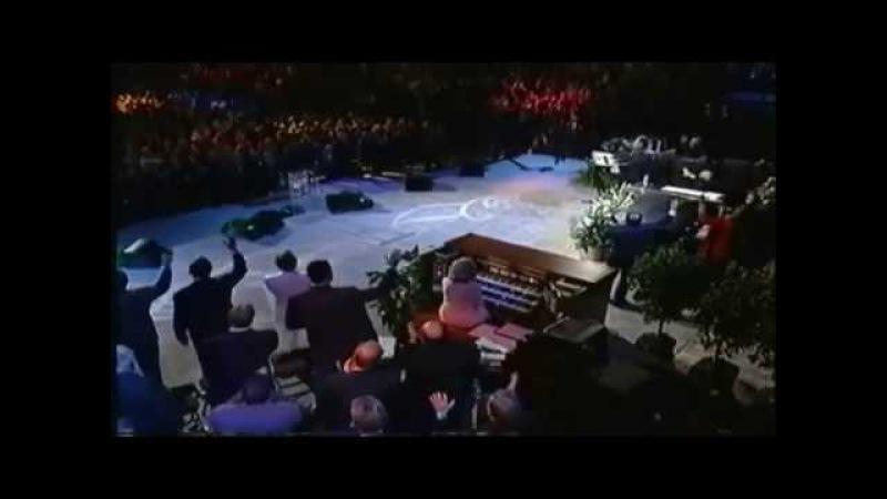 I Sing Praises Terry MacAlmon at Benny Hinn crusade