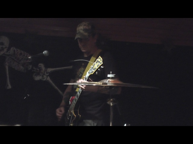Weedeater - 'Time Served' - live from Kung Fu Necktie in Philadelphia