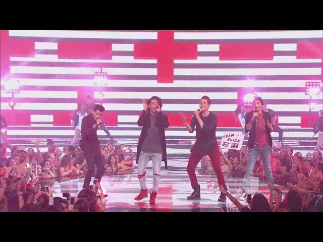 "Band 1 Sings Algo Me Gusta de Ti"" by Wisin Yandel La Banda Live Shows 2015"