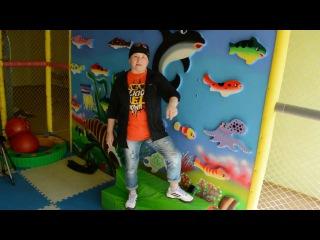 Красноярские учителя сняли эпичный рэп-клип для выпускников