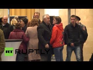 Россия: Родственники пассажиров Русской авиакатастрофе ждут дополнительную информацию.