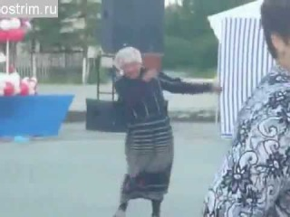 бабуля нереально пластично танцует