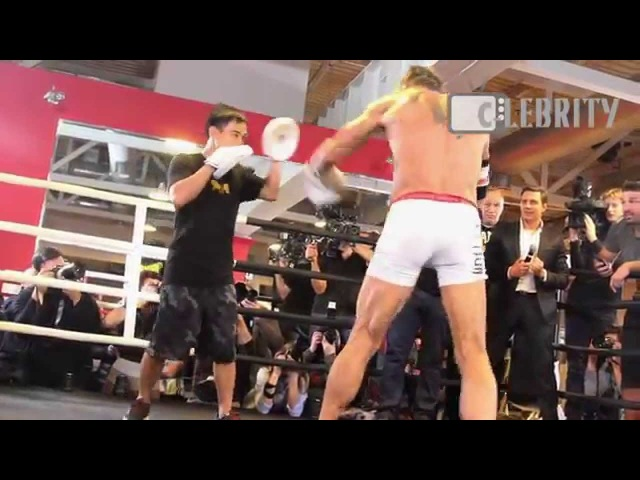 Mickey Rourke on his public boxing training in Moscow, 26.11.2014