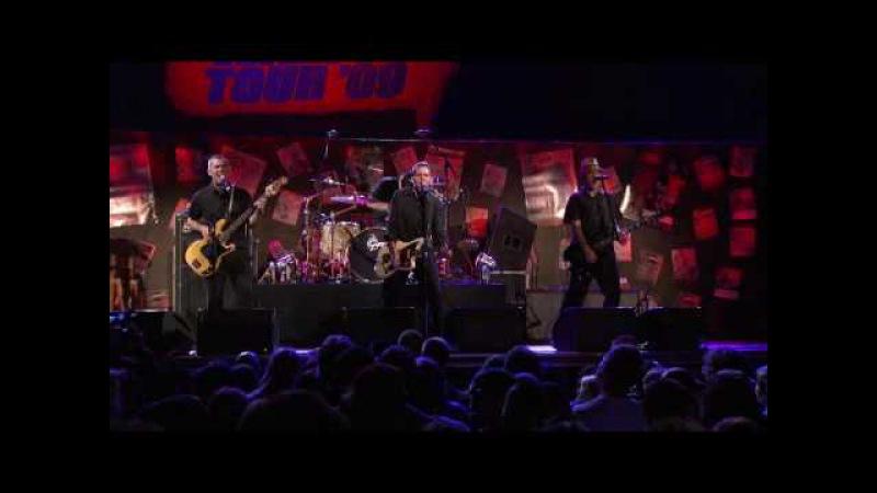 Vans Warped 15th EXCLUSIVE CLIP - The Aggrolites - What a Complex (Live)