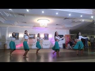 Salsamayovka_2016_bailando con los orishas