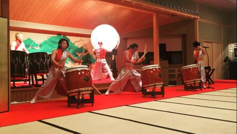 和太鼓Тайку японские барабаны
