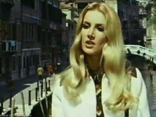 Barbara Bouchet _ Patrizia Viotti  / AMUCK   1972
