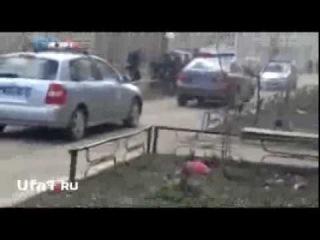 В Башкирии нарушитель посадил на капот гаишника
