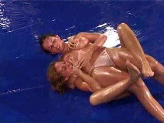 DWW FOM-299-01 Anna L vs Bea V - competitive oil topless