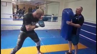Константин Глухов - Коронные удары ногами