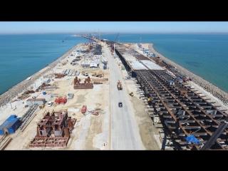 Строители завершили сооружение 50 % опор моста через Керченский пролив