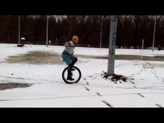 На уницикле по снегу и слякоти