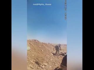 Военнослужащие спн рф во время эвакуации тел, после атаки боевиков иг на позиции российских/сирийских сил. 2015 год