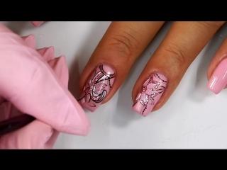 Дизайн ногтей с цветочным узором. Гель-лаки Cuccio Veneer