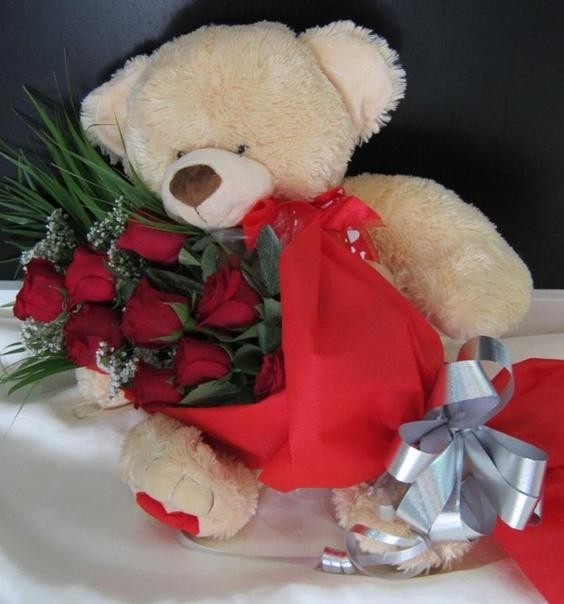 картинка с букетом роз и с игрушками цитата