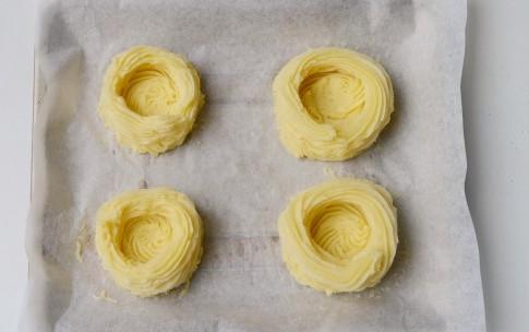 Картофельные гнезда с начинкой из яиц, изображение №5
