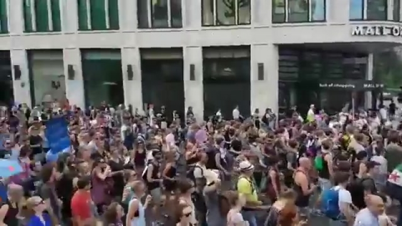 72,000 antifa and anti-racists gathered to protest against the demonstration of the neo-fascist AfD