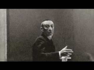 Rachmaninov plays his  Symphonic dances ,
