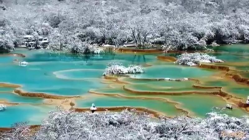 Травертиновые террасы долины Хуанлун Китай