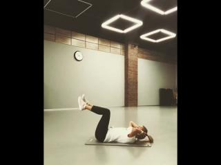 Упражнения на мышцы живота