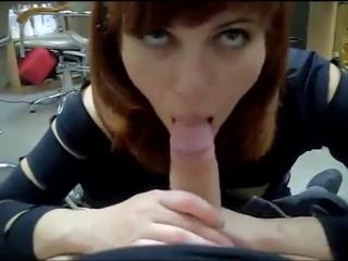 Мой начальник сосёт мне писю (Домашнее, порно, секс, киска, порево, жесткое, любительское)