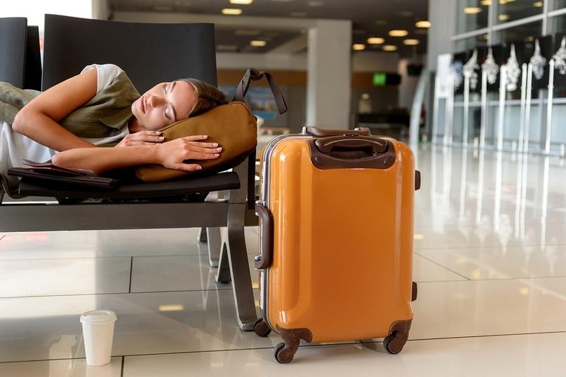 Где и как можно поспать в аэропорту